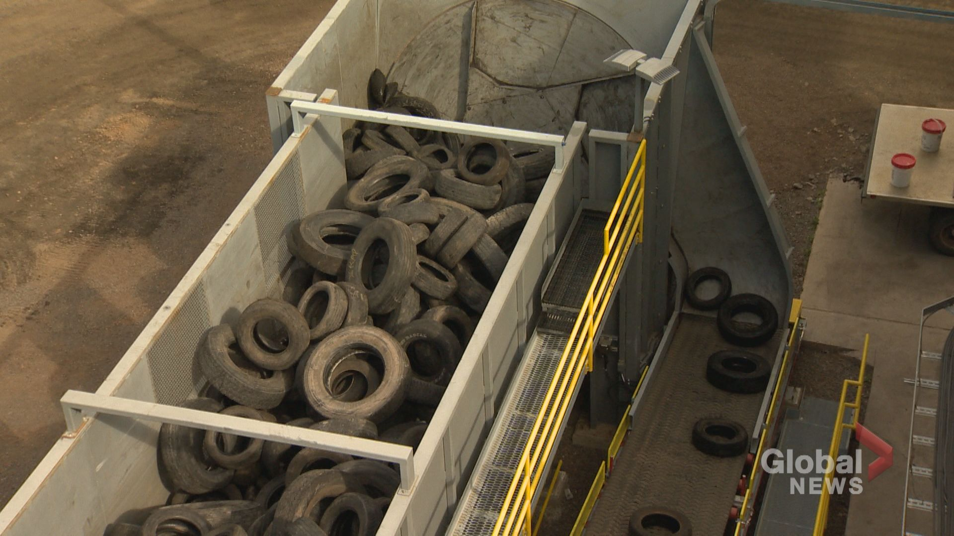 LaFarge Brookfield cement plant burns scrap tires, to reduce emissions and give up coal
