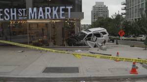 SUV crashes into downtown Vancouver storefront (00:59)
