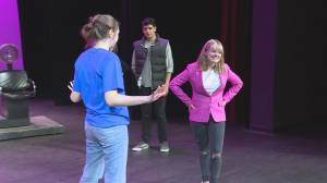 Think Pink: Oliver secondary students rehearse Legally Blonde the Musical