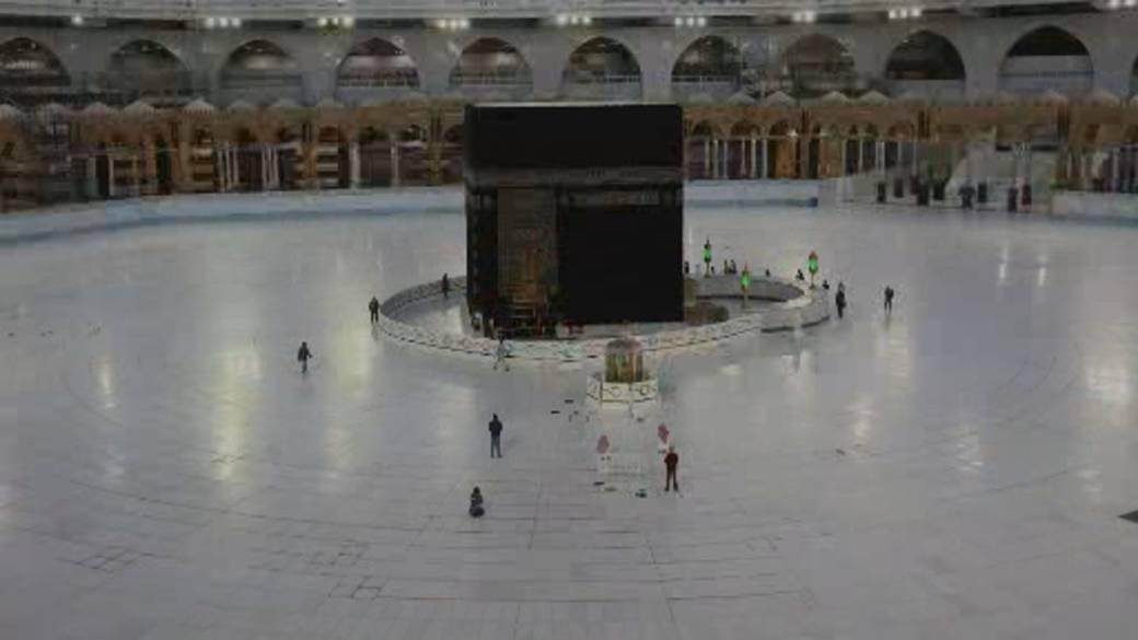 Saudi Arabia limits fig   of pilgrims up  of Hajj'
