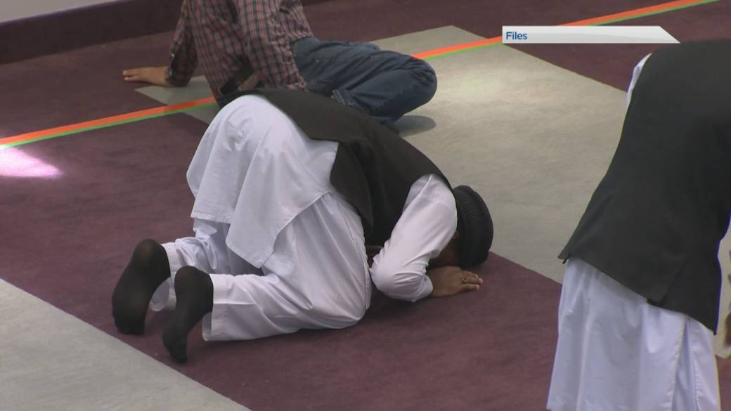 Click to play video: 'How to take part in a healthy, active Ramadan'