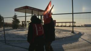 Unifor blockades Co-op properties to lockout 'managers and scabs'