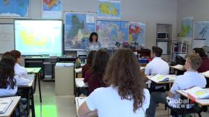 Quebec high school students in red zones to resume in-person classes (01:50)