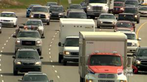 Calgary traffic increasing, transit struggling: city report (01:48)