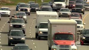 Calgary traffic increasing, transit struggling: city report