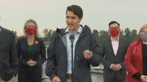 Trudeau sharpens swipes at O'Toole as tight election race nears end (01:33)
