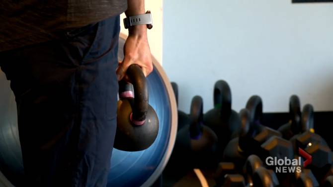 Click to play video: COVID-19: Confusion and questions after Alberta eases restrictions on gyms