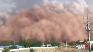 Dust storm sweeps through drought-stricken Australia