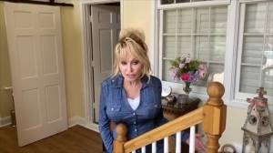 "Dolly Parton tells fans to ""keep the faith"" during coronavirus pandemic"