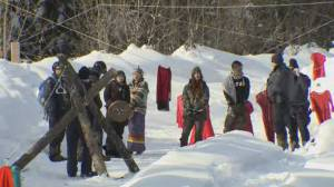 Wet'suwet'en chiefs meet with Mohawks