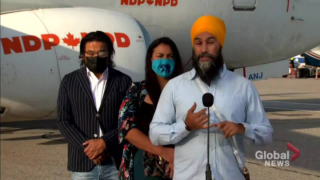 Click to play video: 'Canada election: Singh lambastes Trudeau for not doing enough to lift boil-water advisories'