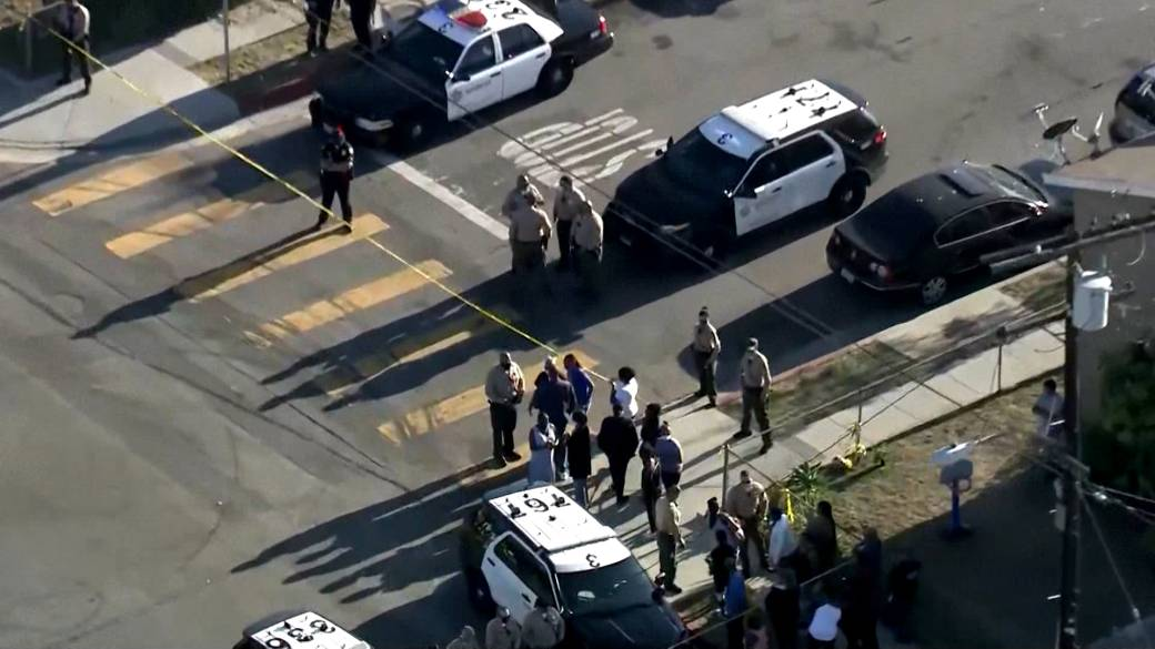 Click to watch video 'Los Angeles authorities investigate death of man by county sheriff's deputies'