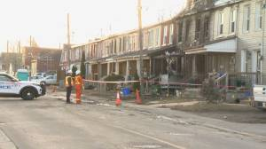 Crews return to scene of Oshawa fire where 2 died, 2 people remain unaccounted for (02:19)