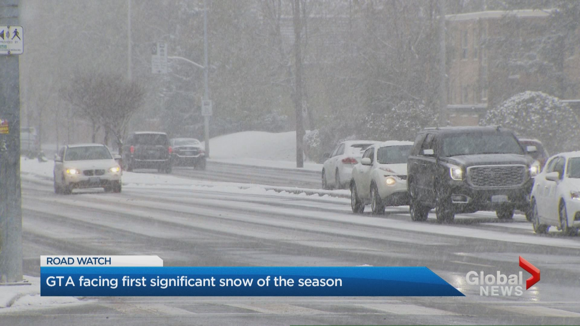 GTA crews out in full force as region experiences first big snowfall of the season