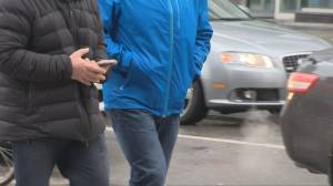 Coronavirus: New data shows influx of shoppers ahead of Ontario-wide lockdown (01:58)