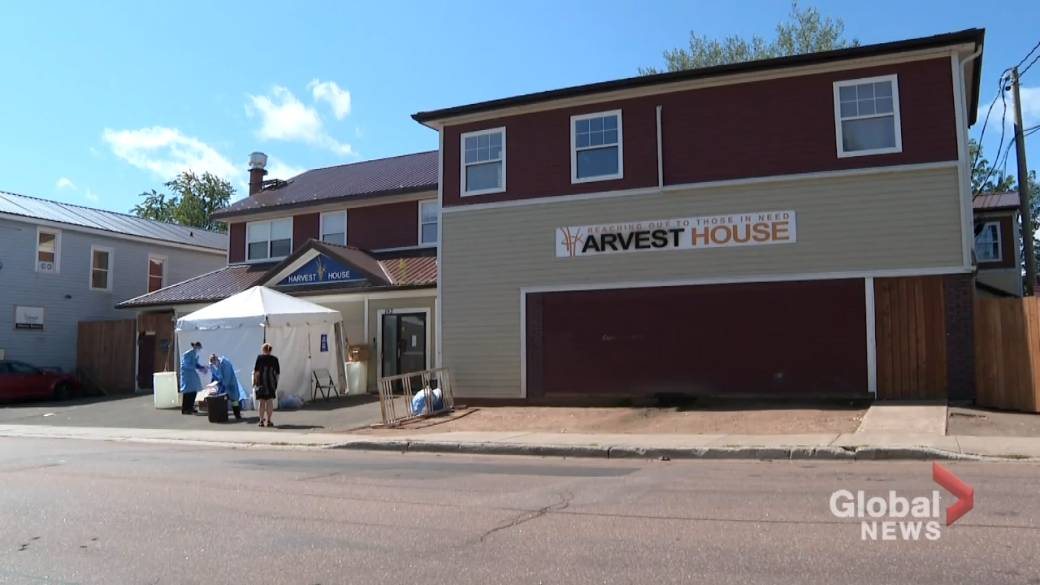 Click to play video: 'COVID-19 outbreak at Moncton homeless shelter grows to 31 cases'