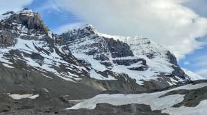 2 dead following avalanche on Alberta mountain (02:13)