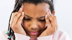 Children with headaches: These are the symptoms parents need to look out for (01:06)