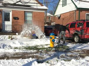 Peterborough residents dealing with first signs of winter