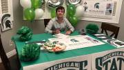 Play video: Kingston golfing star Ashton McCulloch signs with Michigan State