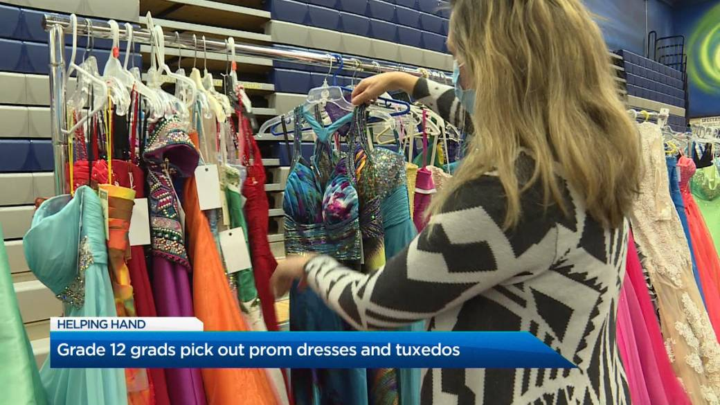 Click to play video 'Kelowna Grade 12 grads pick out prom dresses and tuxedos'