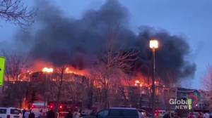 Crews battle large seniors centre fire in north end of St. Albert (01:48)