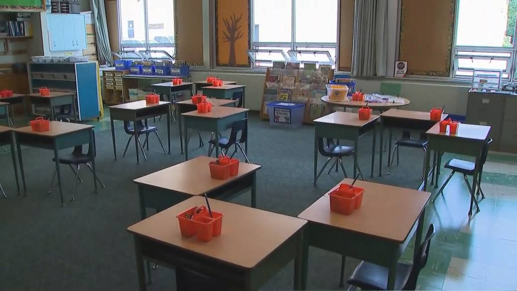 Click to play video: 'COVID-19: Ontario schools will not resume in-class learning following April break'