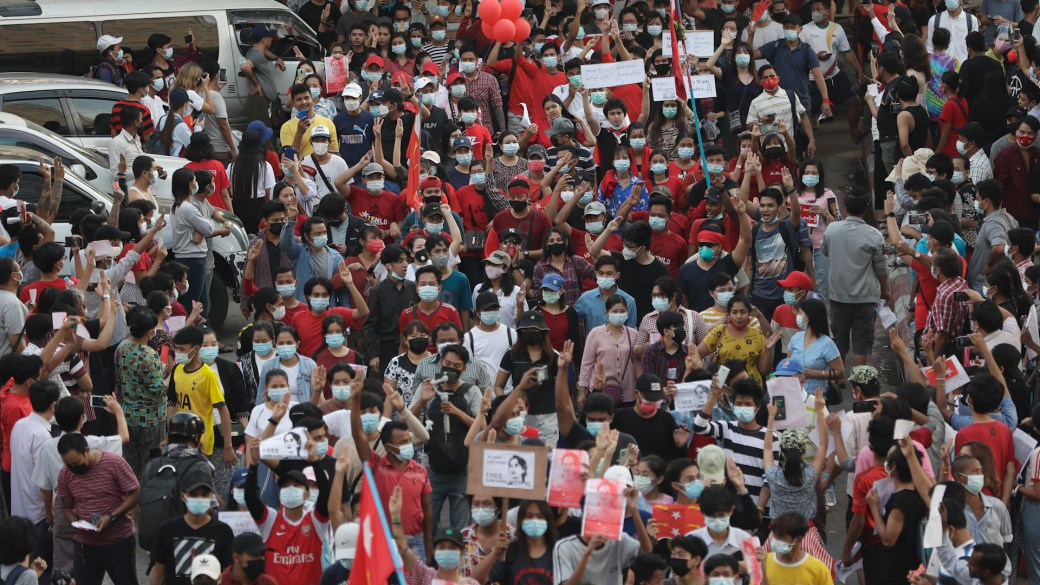 Click to play video 'Myanmar coup: Tens of thousands rally in cities against military coup'