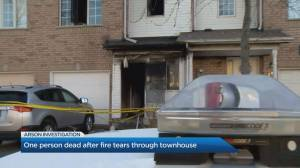 One dead after fire tears through townhouse in Etobicoke