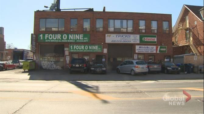 Click to play video: Tenants told to vacate Toronto apartments after carbon monoxide scare