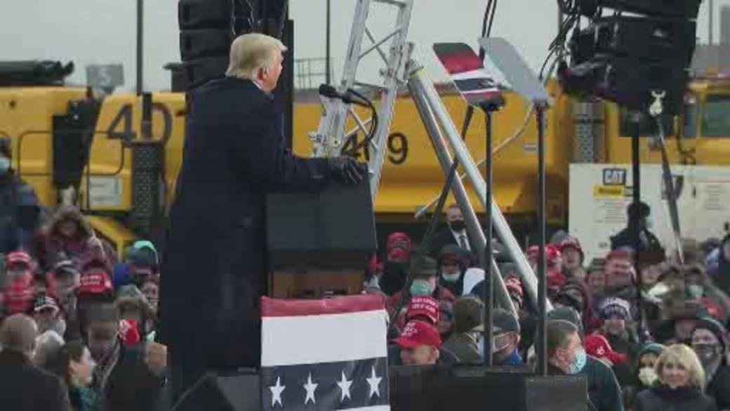 Nhấp để phát video 'Cuộc bỏ phiếu của Hoa Kỳ 2020: Lo sợ dân quân của Michigan có thể phản ứng với kết quả bầu cử của Hoa Kỳ'