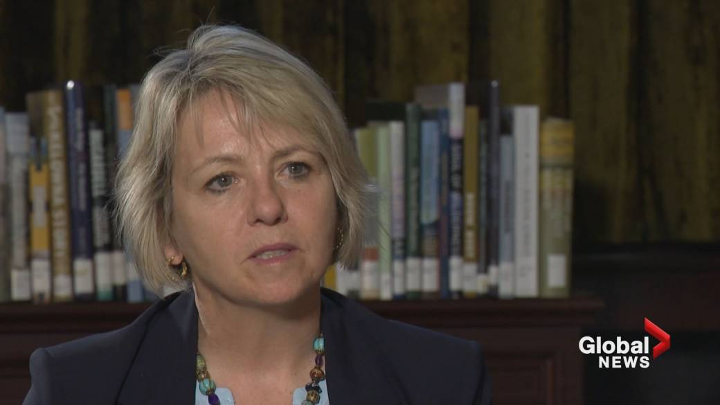 Click to play video 'One-on-one with Dr. Bonnie Henry on B.C.'s overdose crisis'