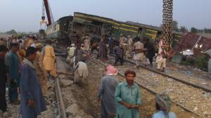 Pakistan train collision leaves at least 40 dead, over 100 injured in Sindh province (02:13)