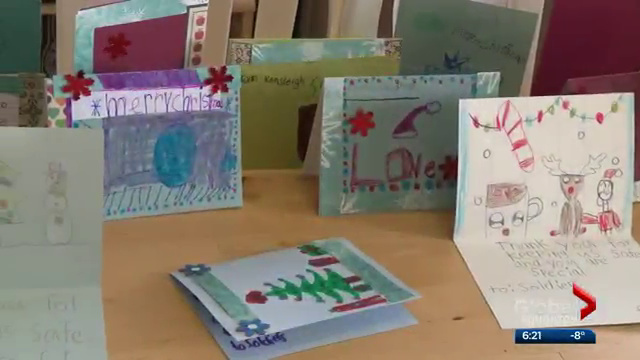 Students in Edmonton send handmade Christmas cards to Canadian soldiers