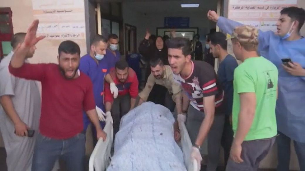 Click to play video: 'Deadly air strikes in Gaza as tensions in Jerusalem rise'