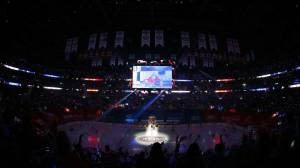 'Stanley Cup Fever' sweeps Montreal, as Habs hope to advance to Stanley Cup finals (01:47)