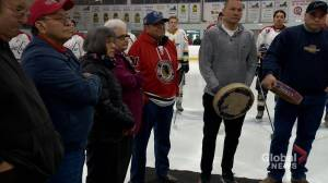 Fred Sasakamoose leaves lasting legacy as Indigenous hockey pioneer (01:42)