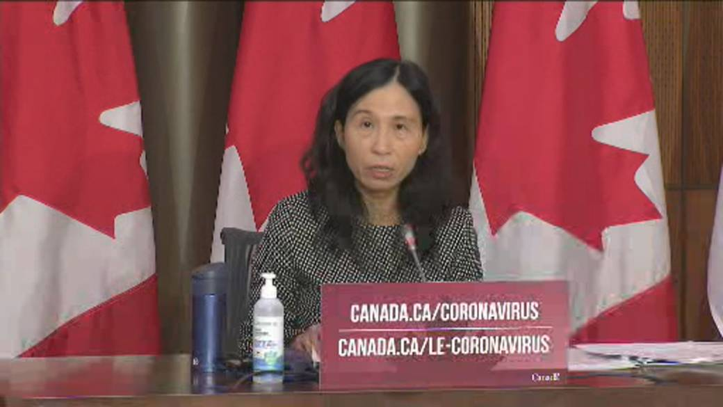 Click to play video 'Coronavirus: Canada could see up to 12,000 daily cases in January without tougher restrictions, officials say'