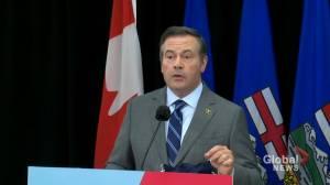 Alberta expands eligibility for COVID-19 vaccine second dose (01:19)