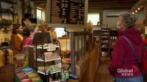 South Shore restaurant offering bonus to attract staff (02:03)