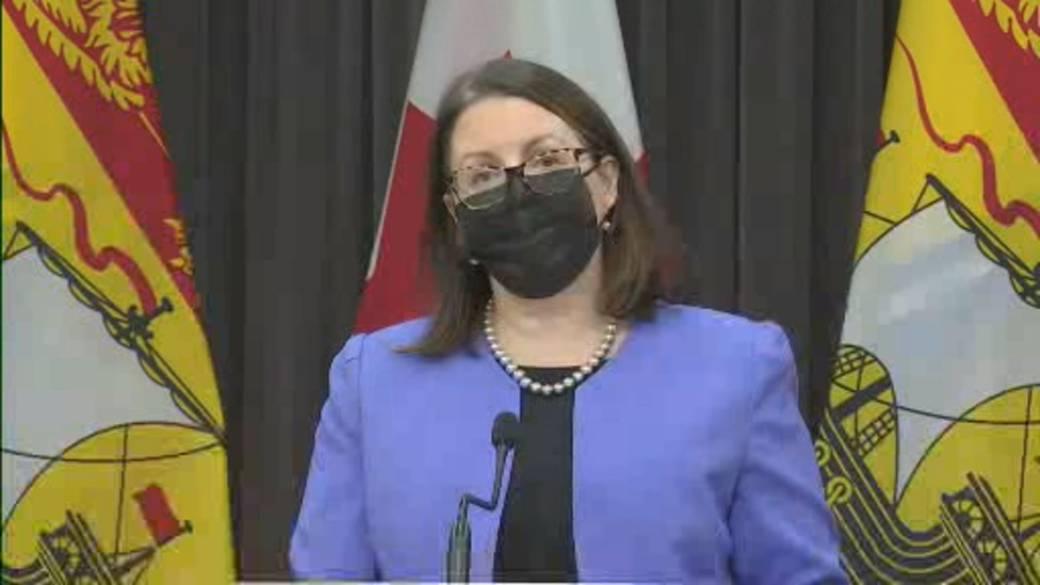 Click to play video 'Coronavirus: Three more zones in New Brunswick move to red-alert level'