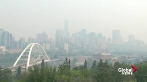 High temperatures, poor air quality in Edmonton as wildfire smoke moves in from B.C. (03:08)