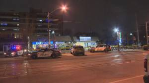 SIU investigate police-involved shooting in Toronto's west end (01:33)