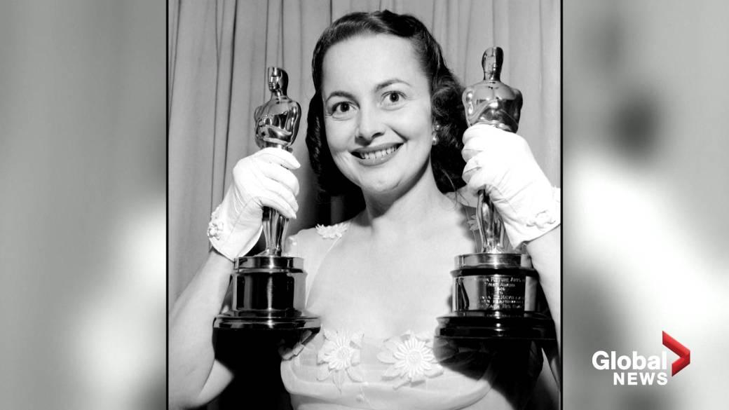 Click to play video 'Olivia de Havilland, Oscar-winning actor, dead at 104'