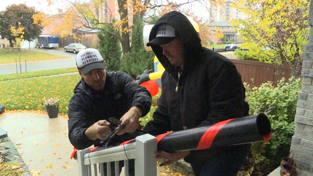 Click to play video 'Kingston plumber offers free candy slides for area residents'