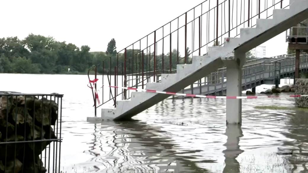 'Western Europe deed  by dense  rains and flooding'