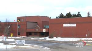 N.B. parents and teachers question decision to keep schools open (02:00)