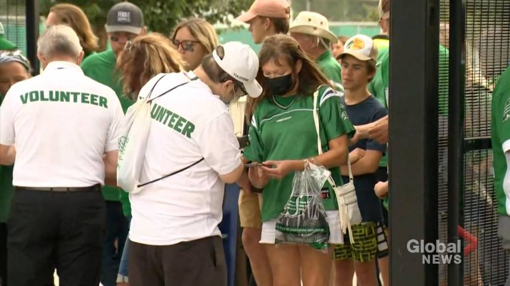 Click to play video: 'Saskatchewan Roughriders lay out vaccination proof policy'