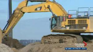 Politicians point fingers after Teck pulls out of $20.6B oilsands project (02:31)