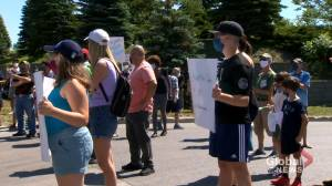 Montreal residents protest Sanimax's animal rendering factory
